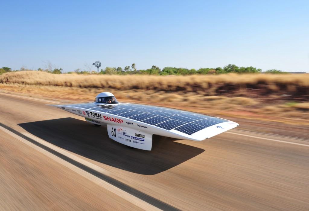 ¿Vehículos propulsados por energía solar a 130Km/h?