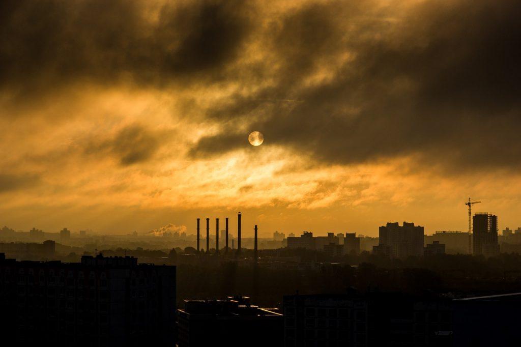 ¿Contaminan realmente los coches eléctricos? Informe de la Agencia Europea de Medio Ambiente